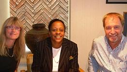 Suzi Steinhofel, Celia Edwards e Fred Phillips.