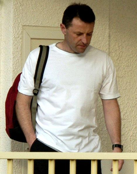Gerry McCann quando abandonou Praia da Luz em 2007