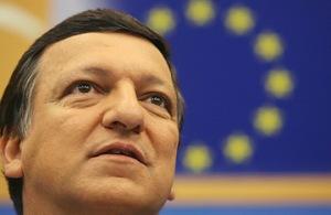 Barroso anuncia programa com objectivos sociais para garantir reeleição